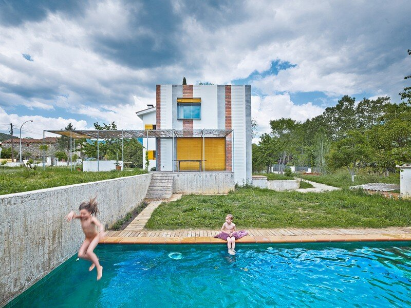 Anoro House - Weekend Retreat by Anna & Eugeni Bach (15)