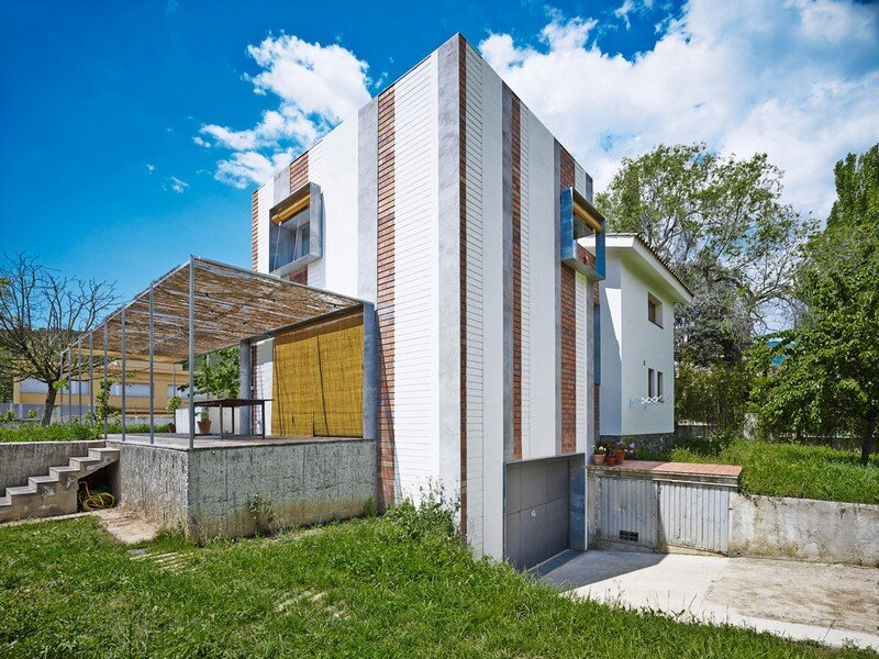 Anoro House - Weekend Retreat by Anna & Eugeni Bach (5)