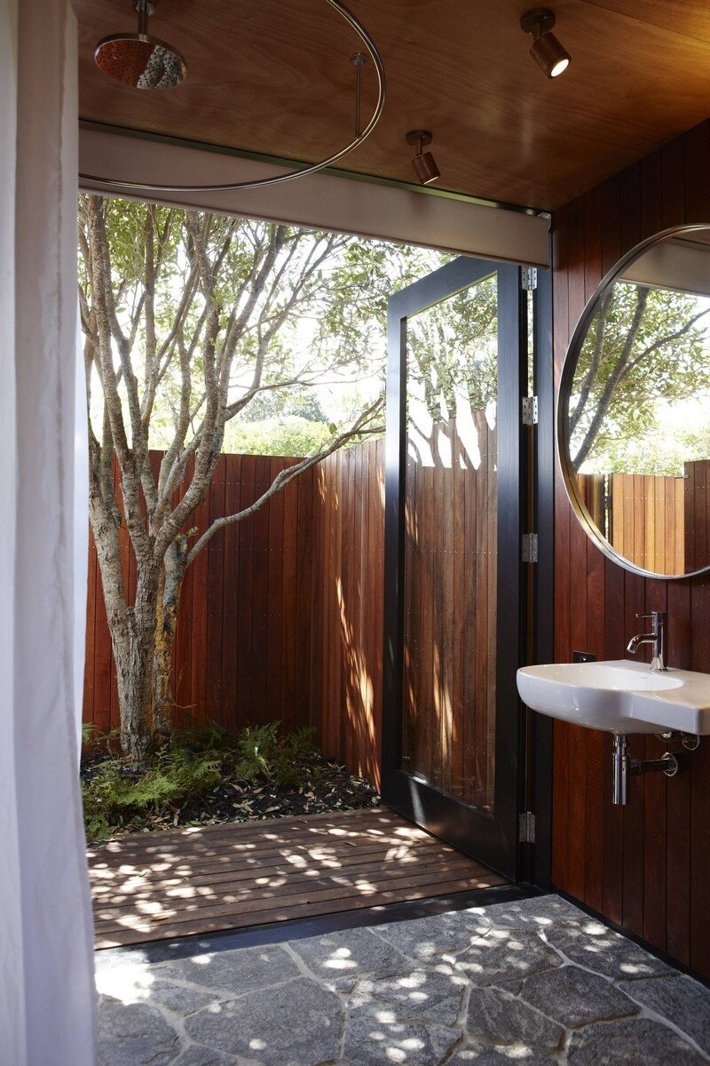 Bethells Bach - Two-Bedroom Bach at the Beach by Herbst Architects (12)