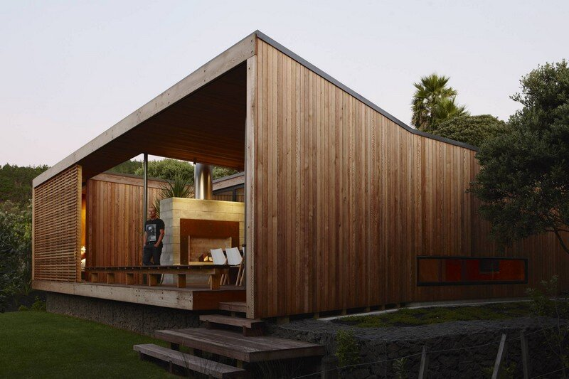 Bethells Bach - Two-Bedroom Bach at the Beach by Herbst Architects (4)