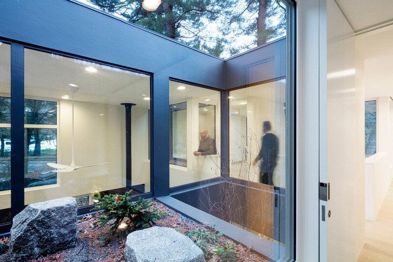 Grow Box - Steel House by Merge Architects (10)
