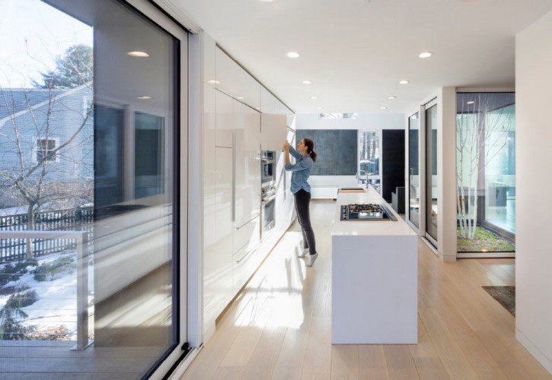 Grow Box - Steel House by Merge Architects (14)