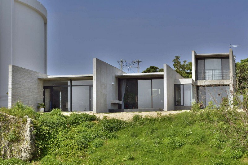 House with Panoramic Ocean View in Okinawa CLAIR Archi Lab (1)