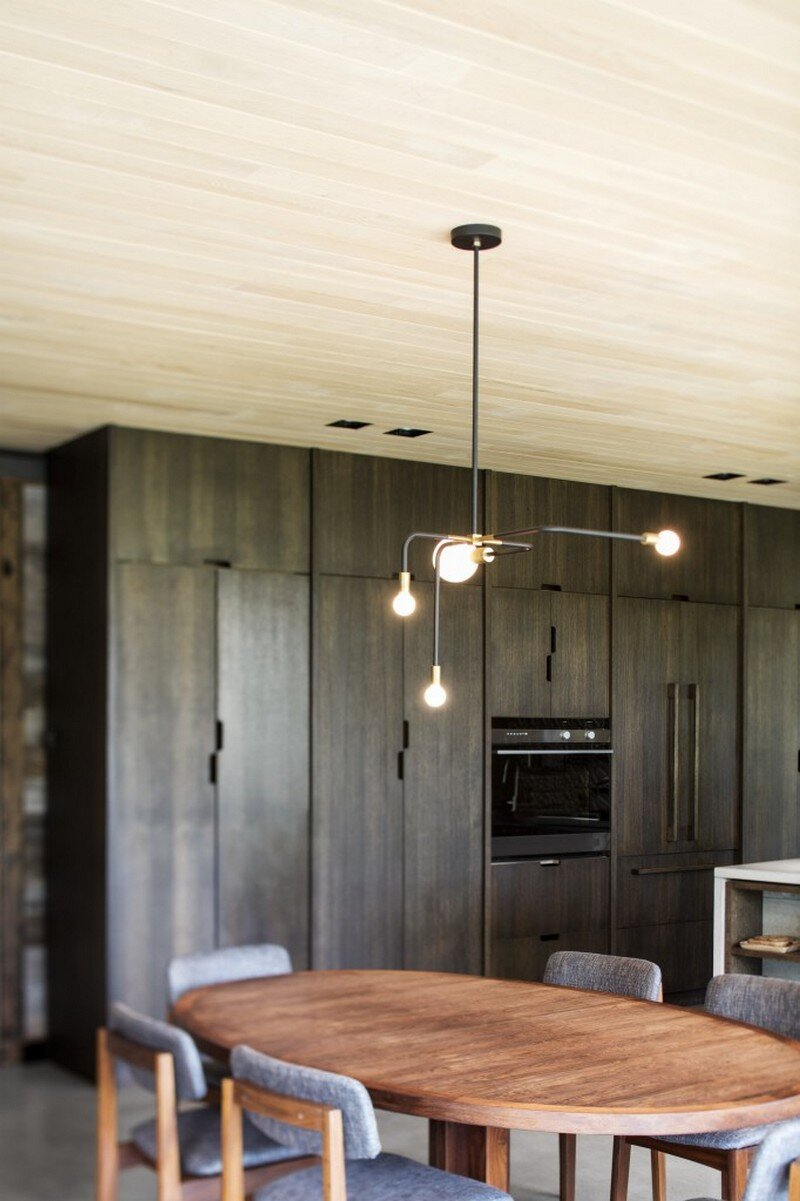 dining room - Low Impact House Design by Alain Carle Architect (13)