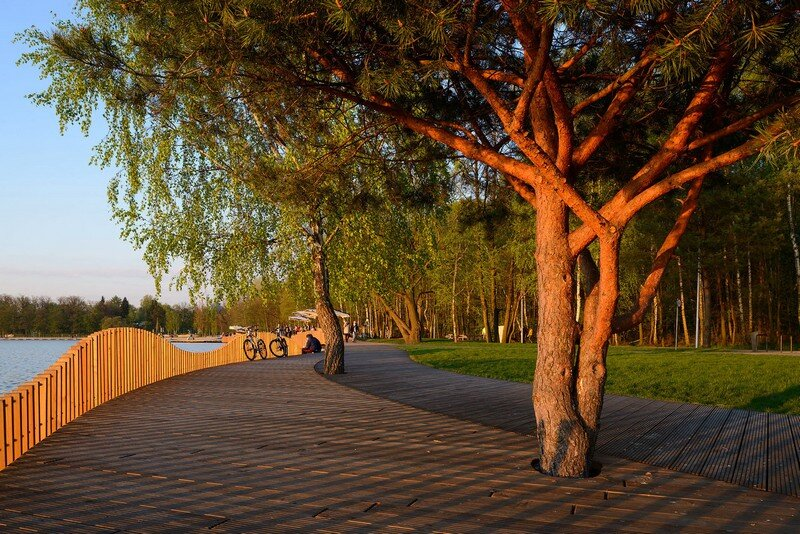 The Promenade - Redevelopment of the East Side Paprocany Lake Shore 3