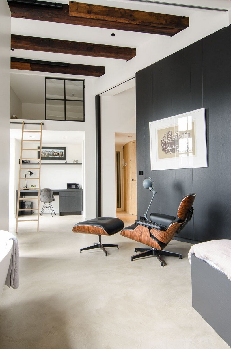 Full Renovation of an Extraordinary Loft for a Young Stock Broker 11