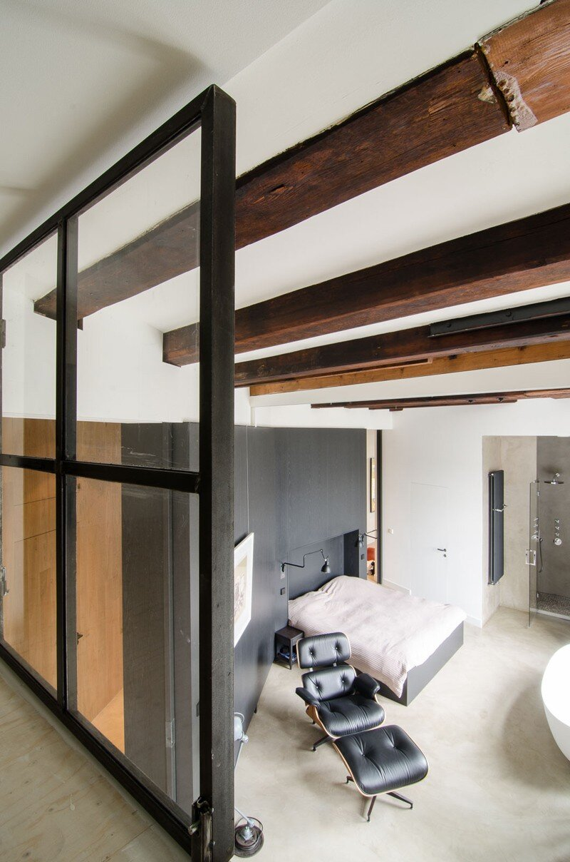 Full Renovation of an Extraordinary Loft for a Young Stock Broker 10