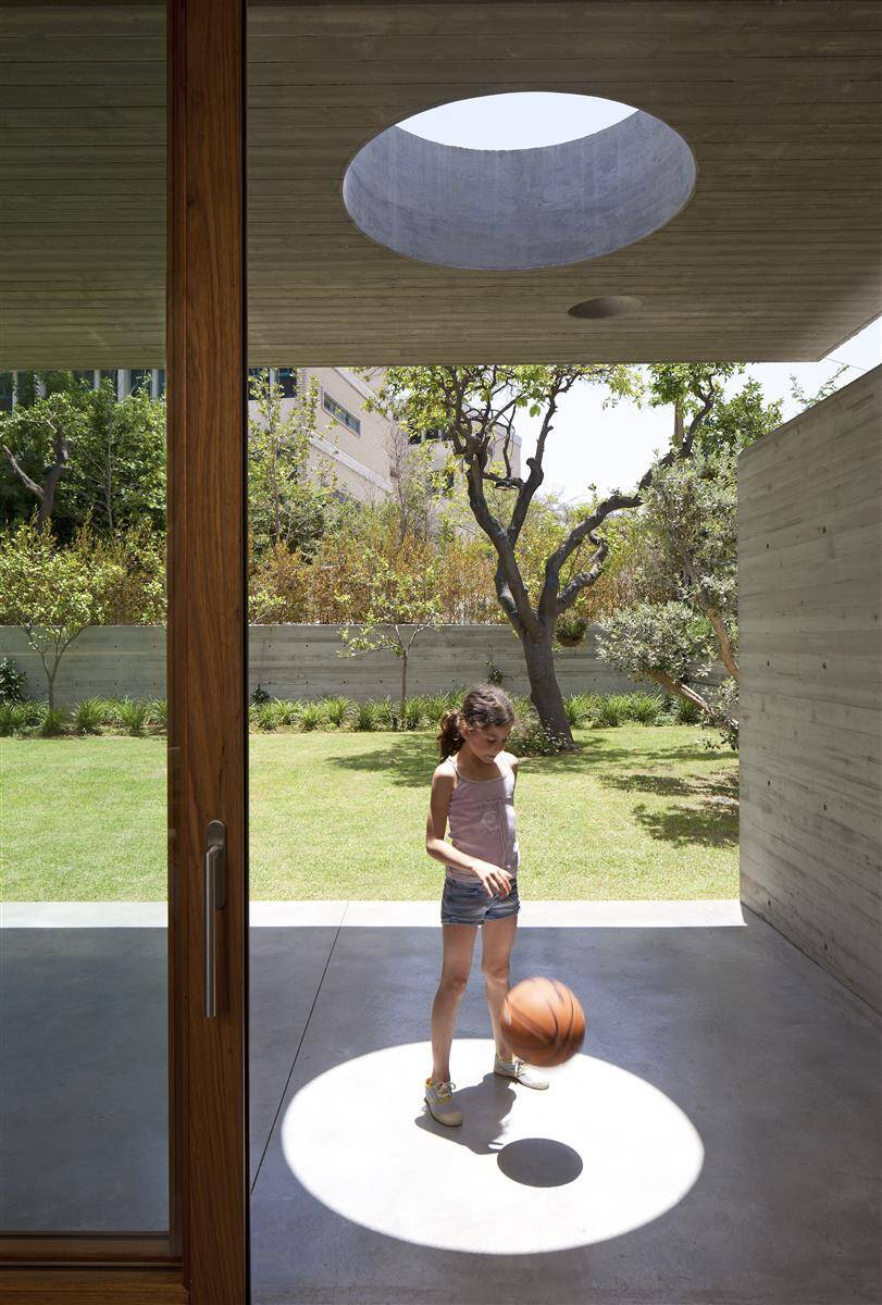 Kedem House in Ramat HaSharon- A House of an Architect (15)