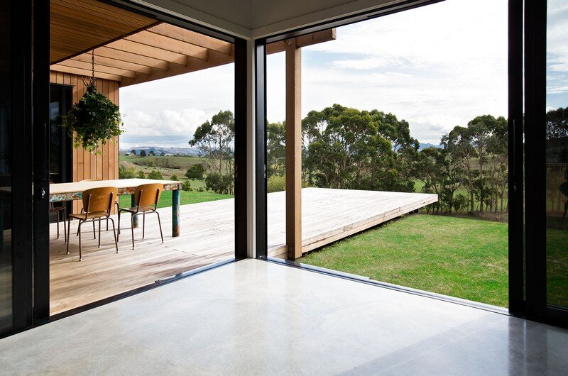 Modern Barn Form by Red Architecture 8