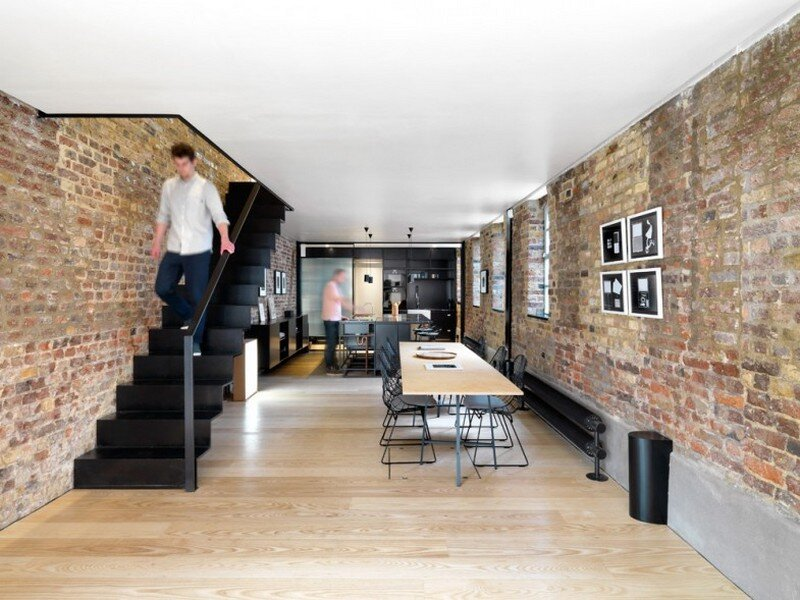 Roman Road Gallery - Renovation of a House Connected to an Art Gallery