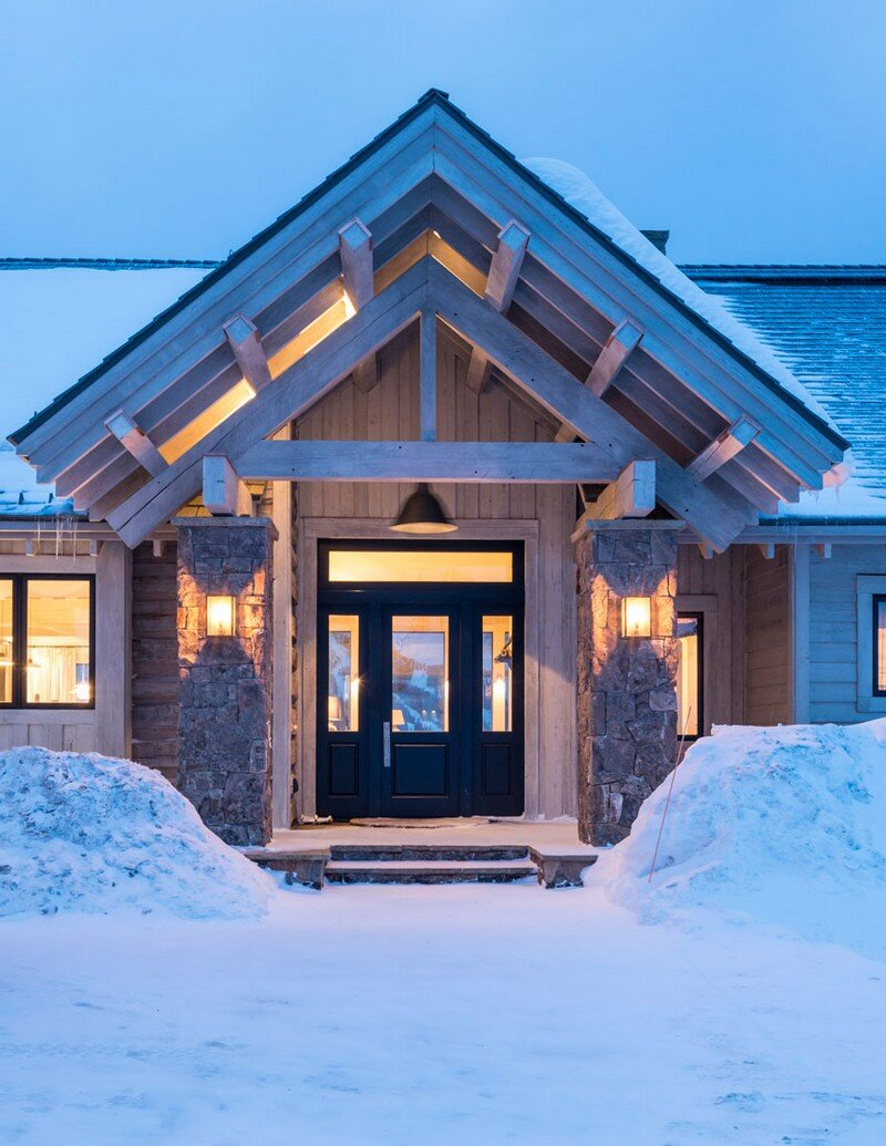 Rustic Mountain House with Zen Interiors Cashmere Interior 15