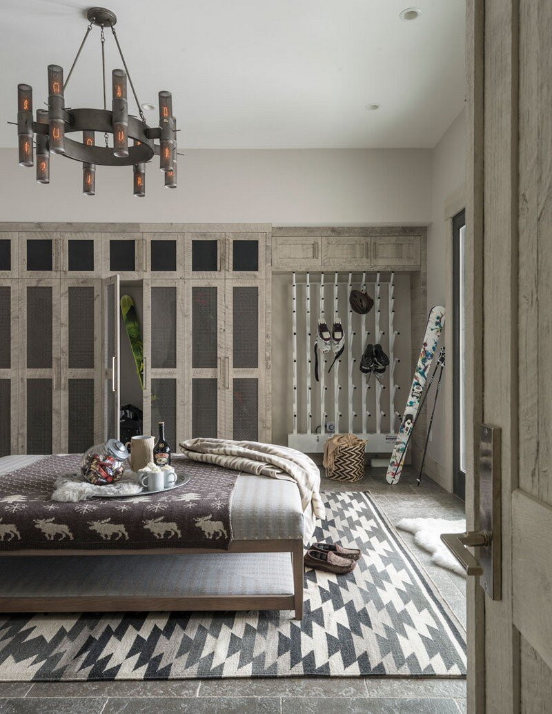 Rustic Mountain House with Zen Interiors Cashmere Interior 9
