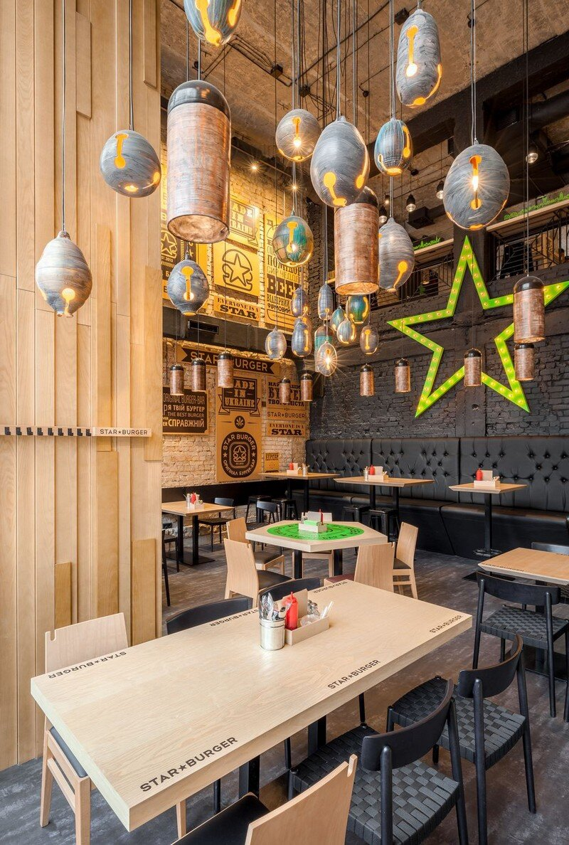 Star Burger - Classic American Bar Atmosphere in the Center of Kyiv 5