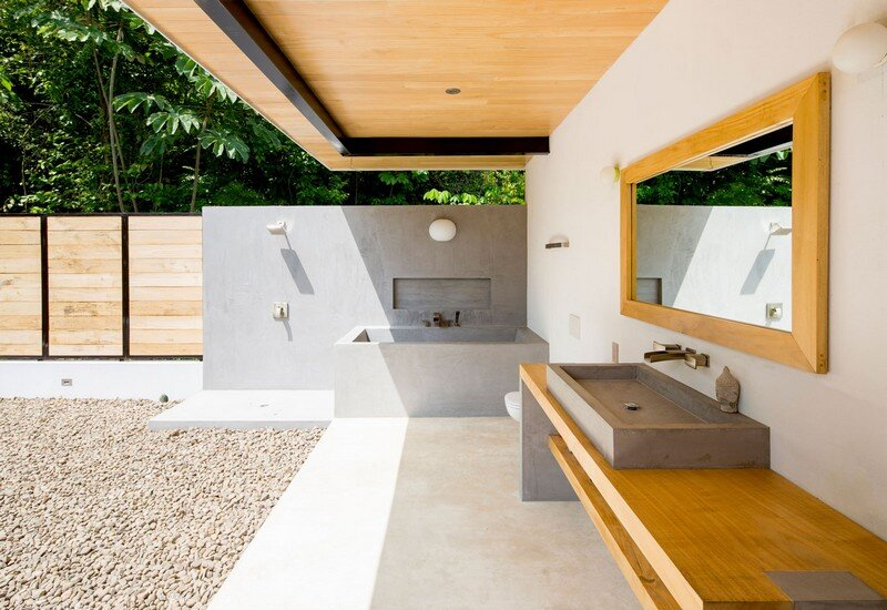 Sustainable Terrace House Almost Completely Open To The Outside (10)