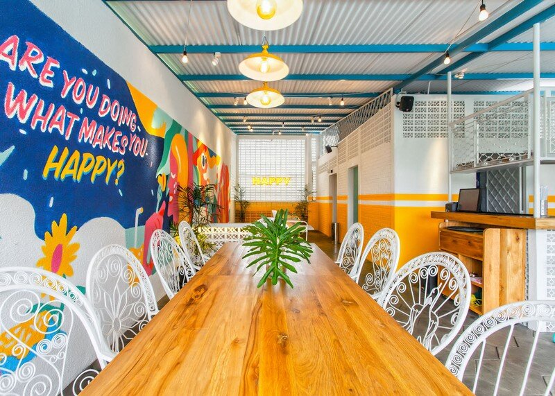 Yelo Eatery - Pop Interiors with Modern Industrial Vibe 7