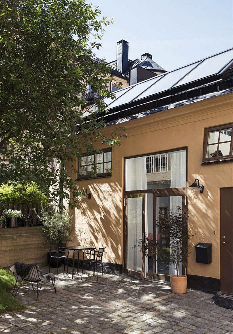 Forstberg Ling Turned an Old Workshop into a Small Home