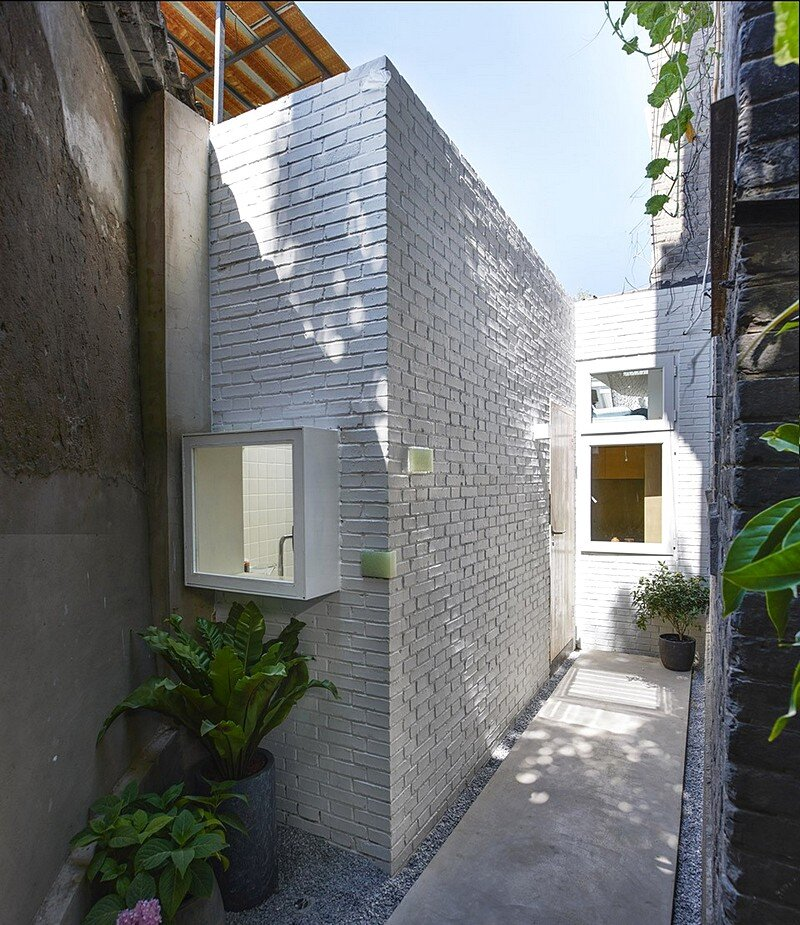 L-shaped House 1