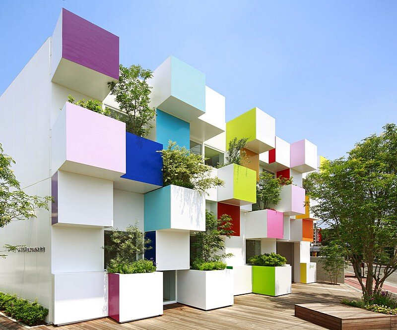 Sugamo Shinkin Bank, Nakaaoki Branch 1