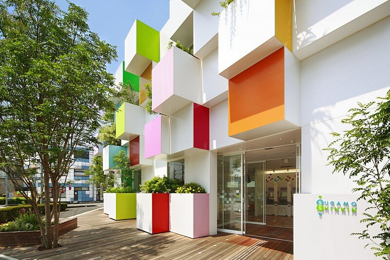 Sugamo Shinkin Bank, Nakaaoki Branch 3