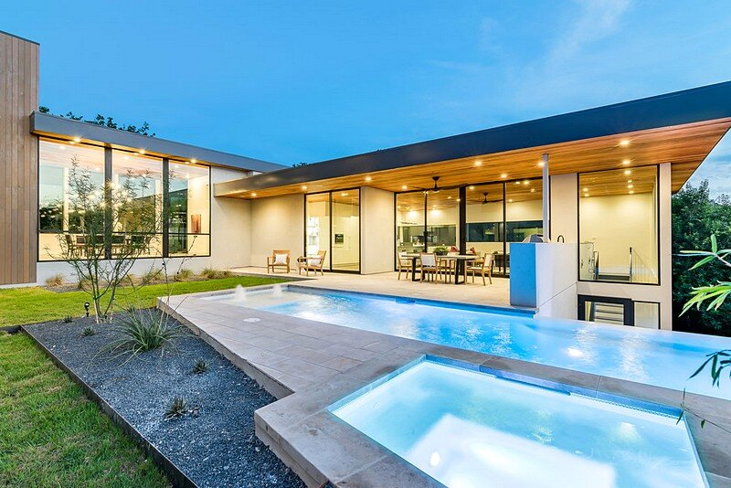 Bracketed Space House 17
