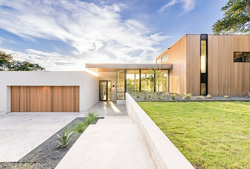 Bracketed Space House 19