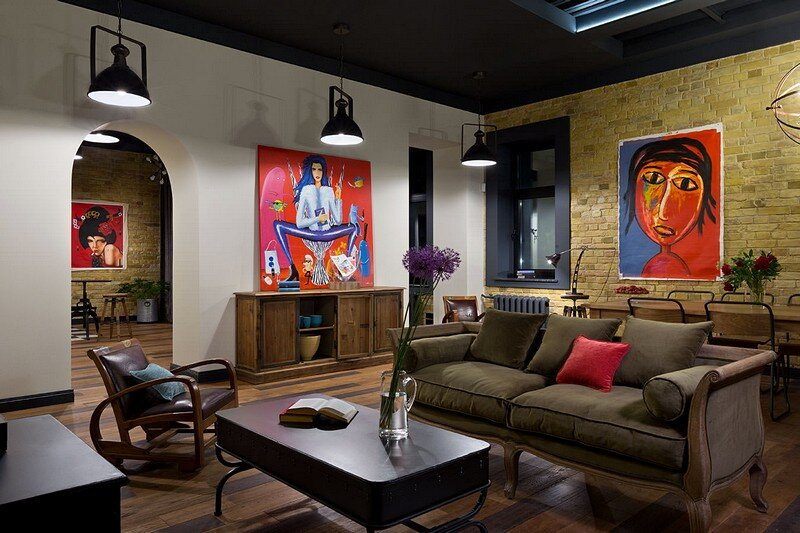Comfortable Loft for a Young Girl 16