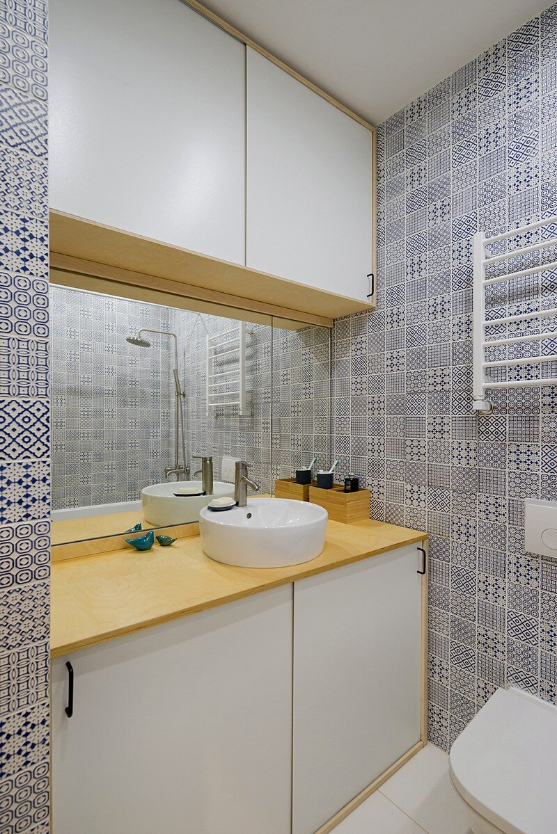 Small Flat for a Young Couple 13