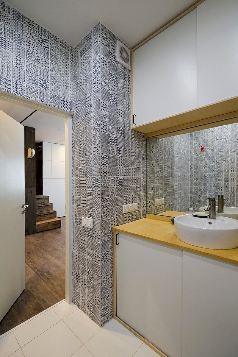 Small Flat for a Young Couple 14
