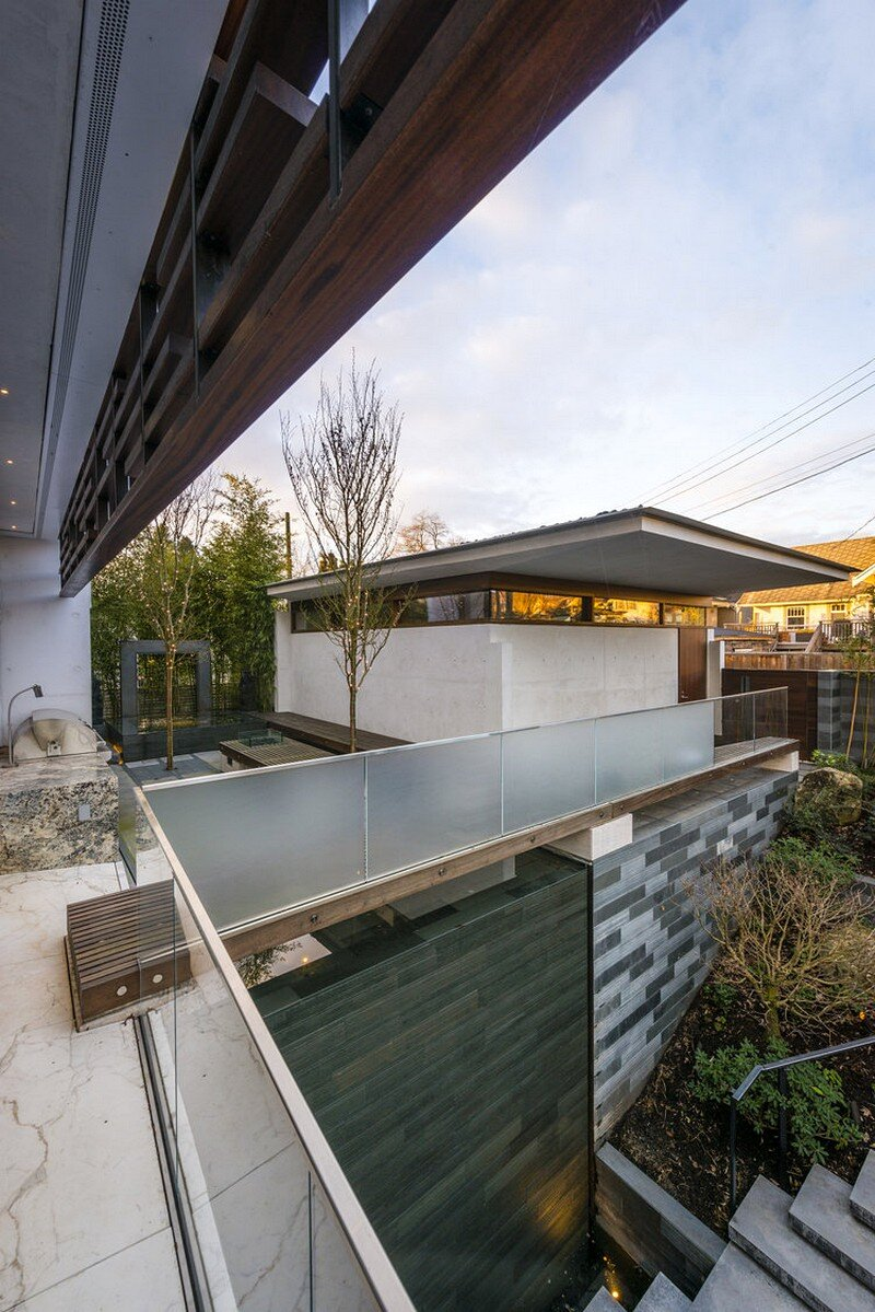 Floating House / Arno Matis Architecture 17