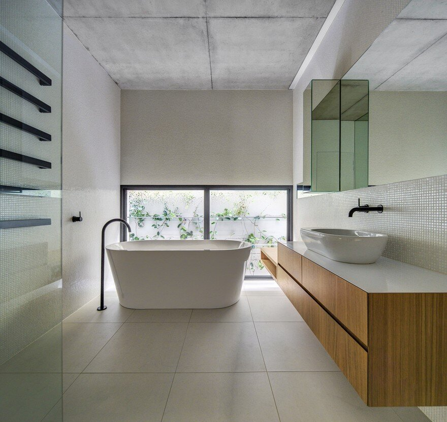 bathroom, Nobbs Radford Architects