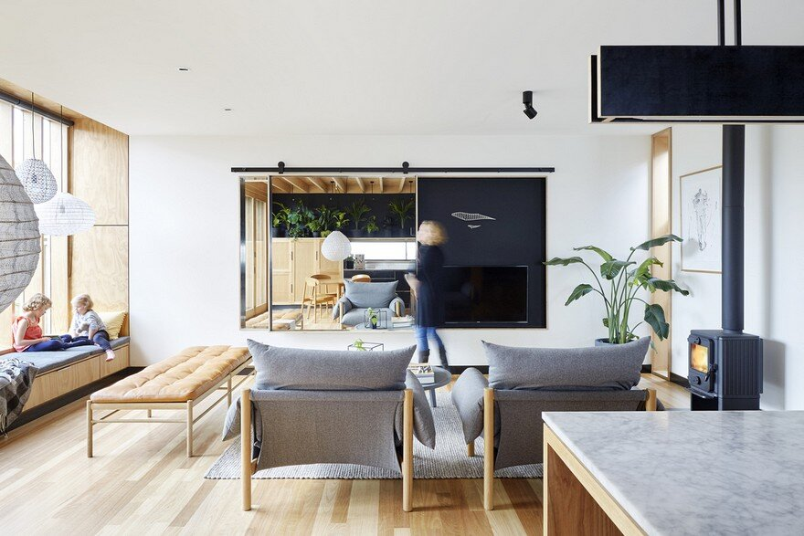 Wooden Box House by Moloney Architects 8