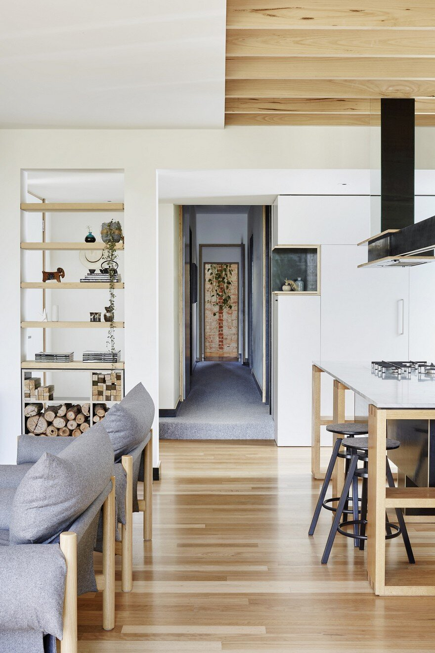 Wooden Box House by Moloney Architects 3