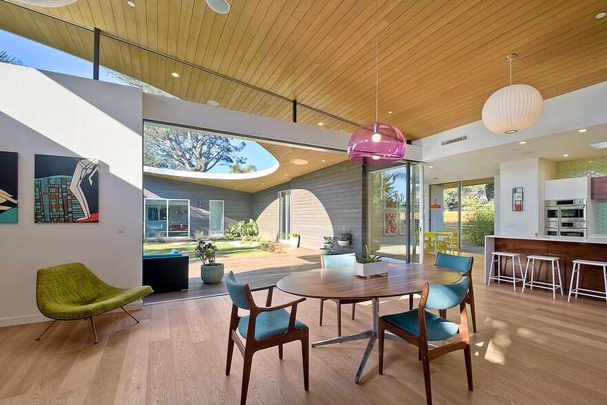 California Coastal Home with an Original and Bold Curvilinear Roof 14