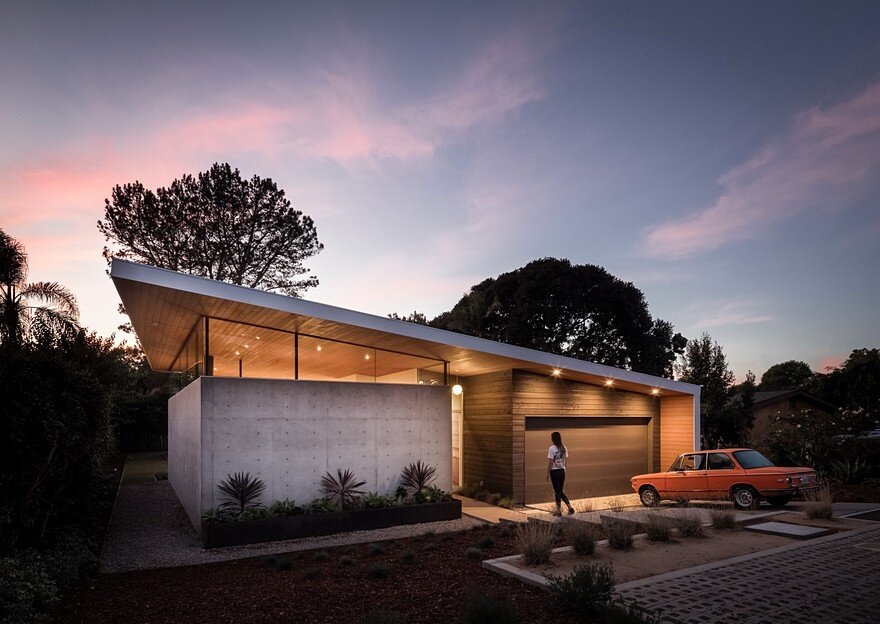 California Coastal Home with an Original and Bold Curvilinear Roof 22