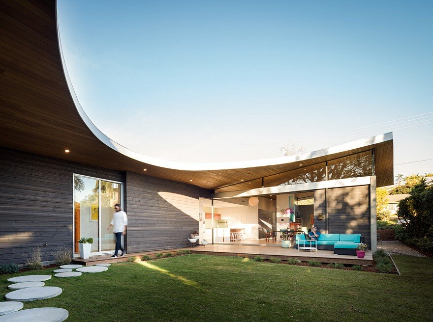California Coastal Home with an Original and Bold Curvilinear Roof 1