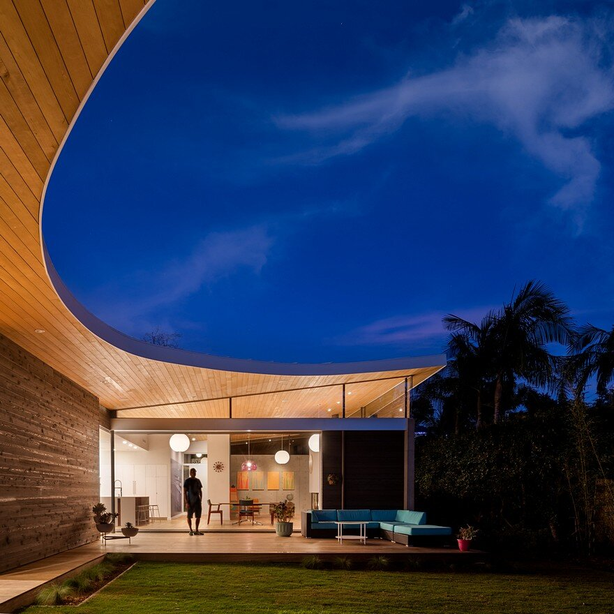 California Coastal Home with an Original and Bold Curvilinear Roof 20