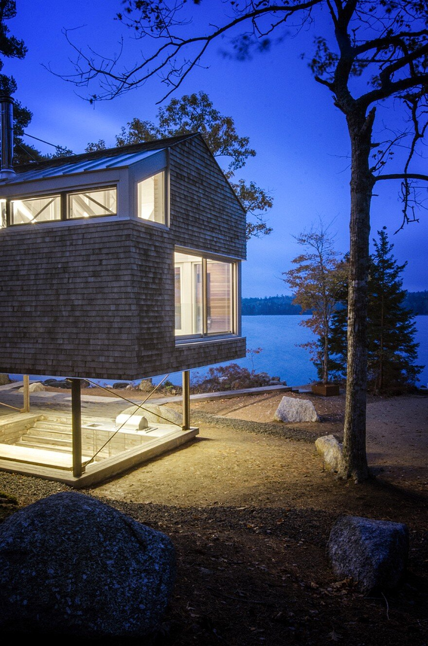 Mirror Point Cottage by MacKay-Lyons Sweetapple Architects 15