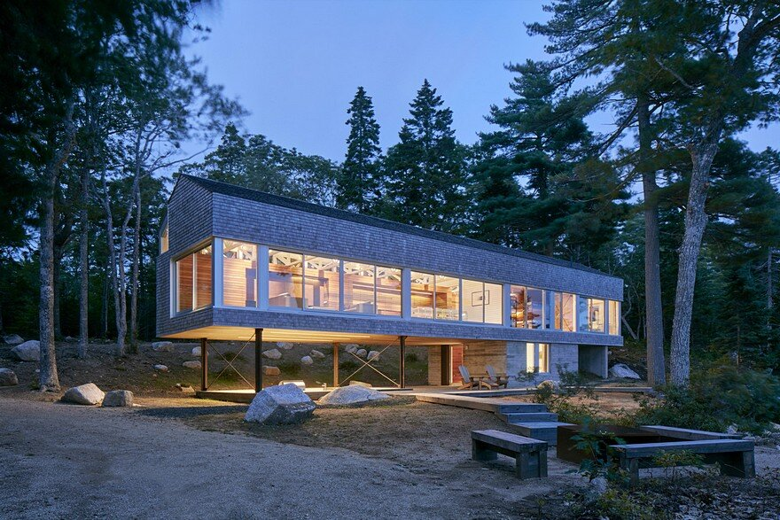 Mirror Point Cottage by MacKay-Lyons Sweetapple Architects 16
