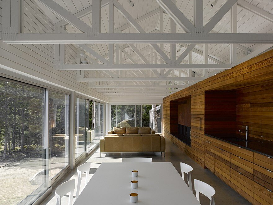 Mirror Point Cottage by MacKay-Lyons Sweetapple Architects 5