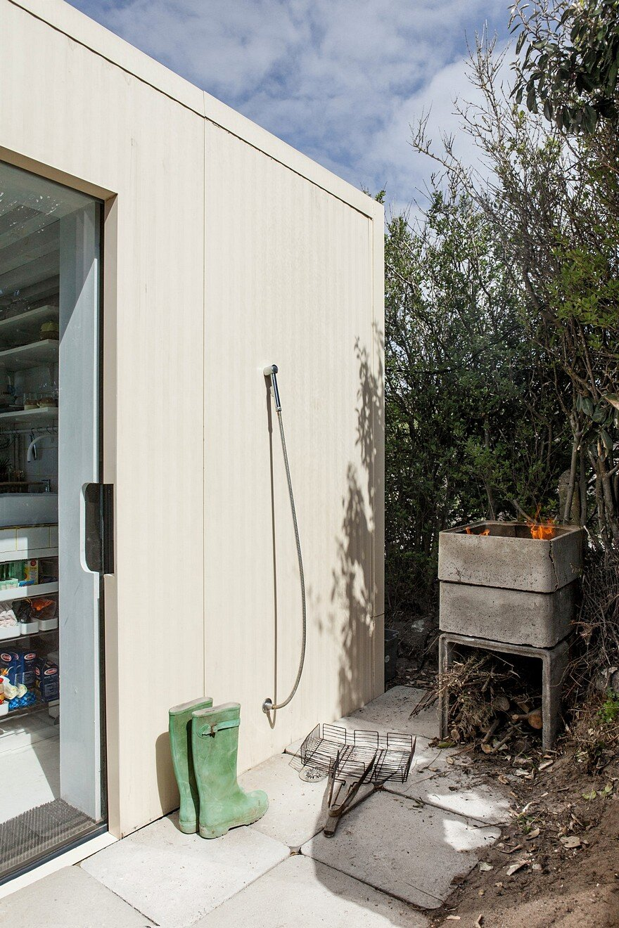 FREAKS Has Refurbish a Concrete Fishing Shack Built in the 50's on a Rock 5