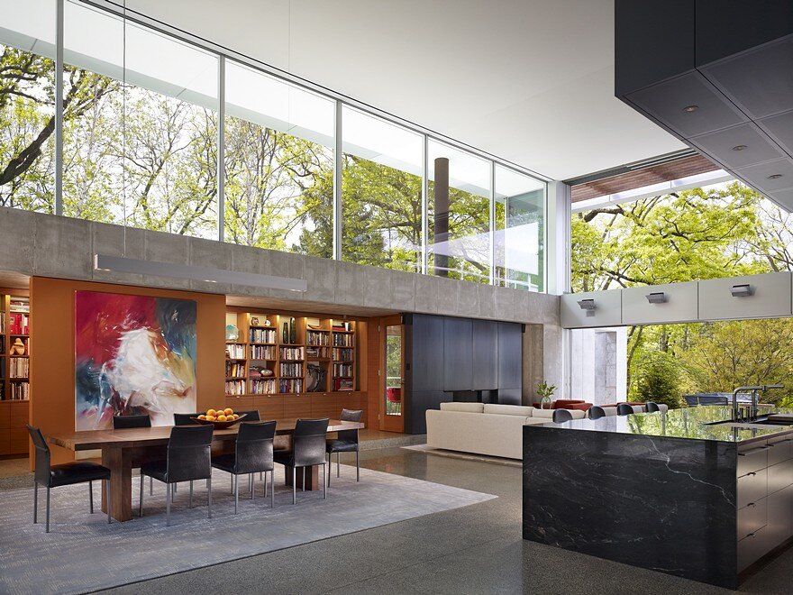Hinsdale House Has an Ideal Exposure to the Sun and Protected Views 5