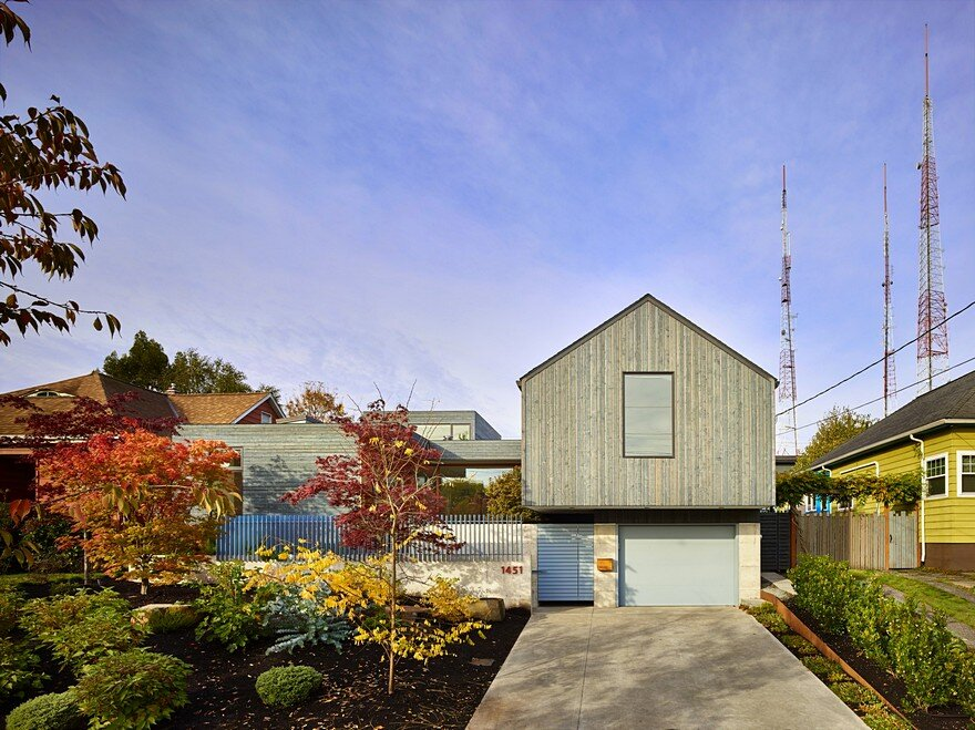Seattle Artist House Features a Simple, Elegant and Low-Ego Design