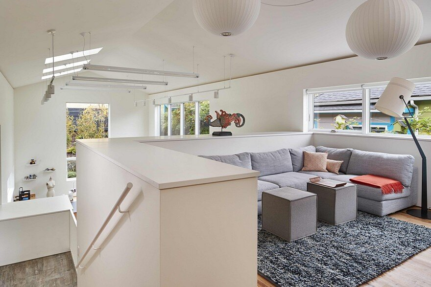 Seattle Artist House Features a Simple, Elegant and Low-Ego Design 8