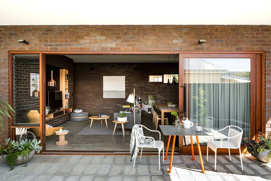 Dolce House is a Contemporary Urban Home with Warehouse Style 12