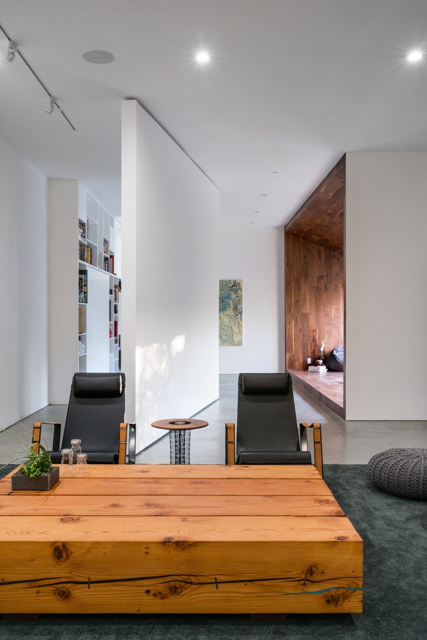 HideOut House Features a Minimalist Aesthetics that Highlights Various Artworks 3