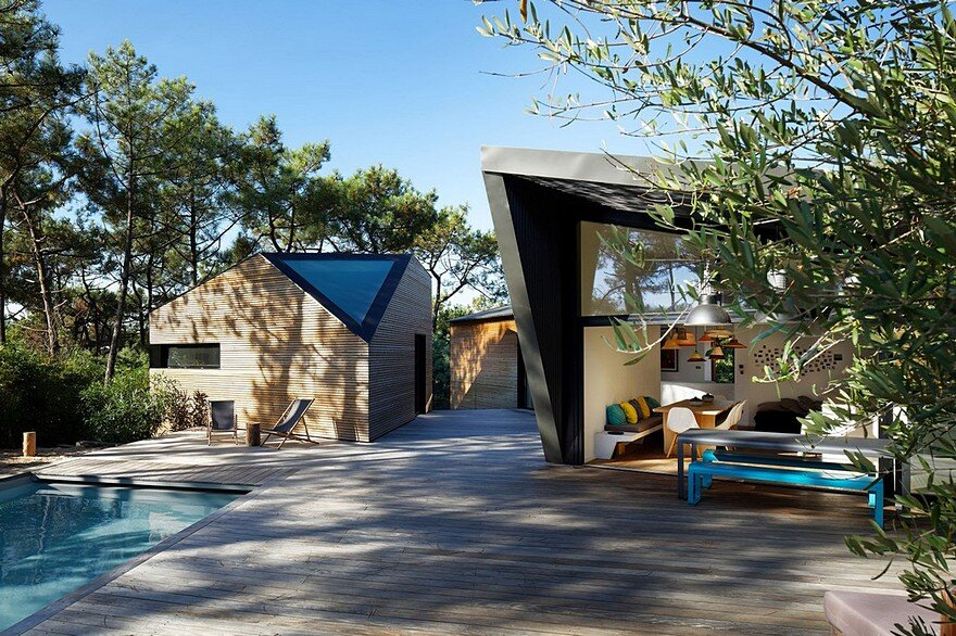 Modern Holiday House Inspired by Forest Cabins 4