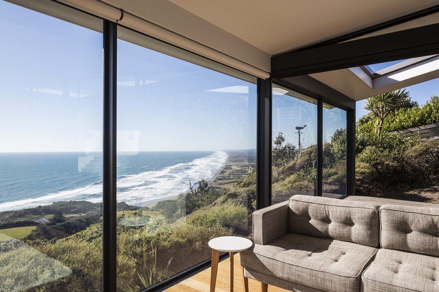 Muriwai Weekend House is Placed at the Edge of a Cliff to Capture the Dramatic Views 4