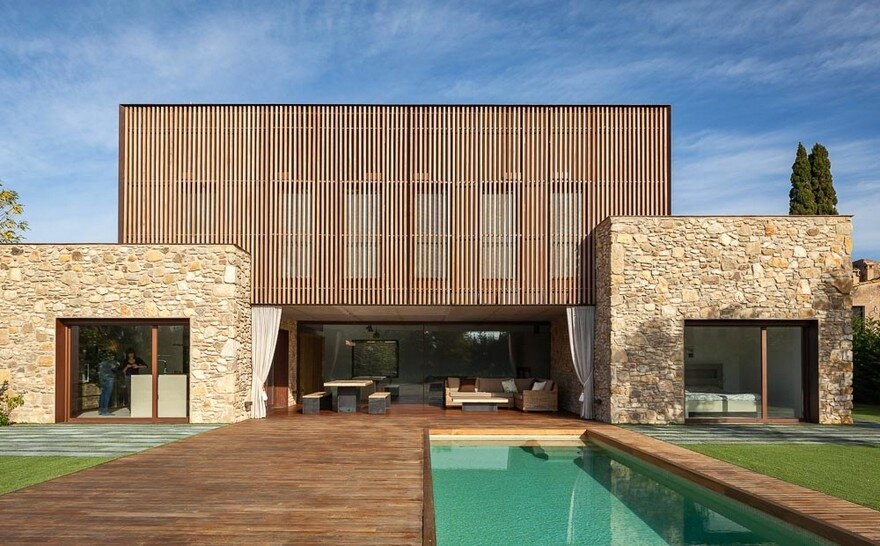 New Catalan House Inspired by the Old Farm Buildings