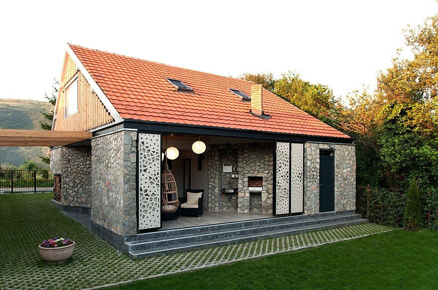 Old Family House Transformed into a Holiday Home in Smilovci, Serbia 2