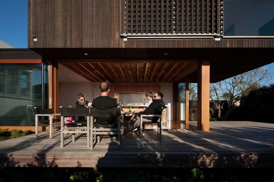 Contemporary Extension and Addition to a Beach House in Westmere, Auckland 1